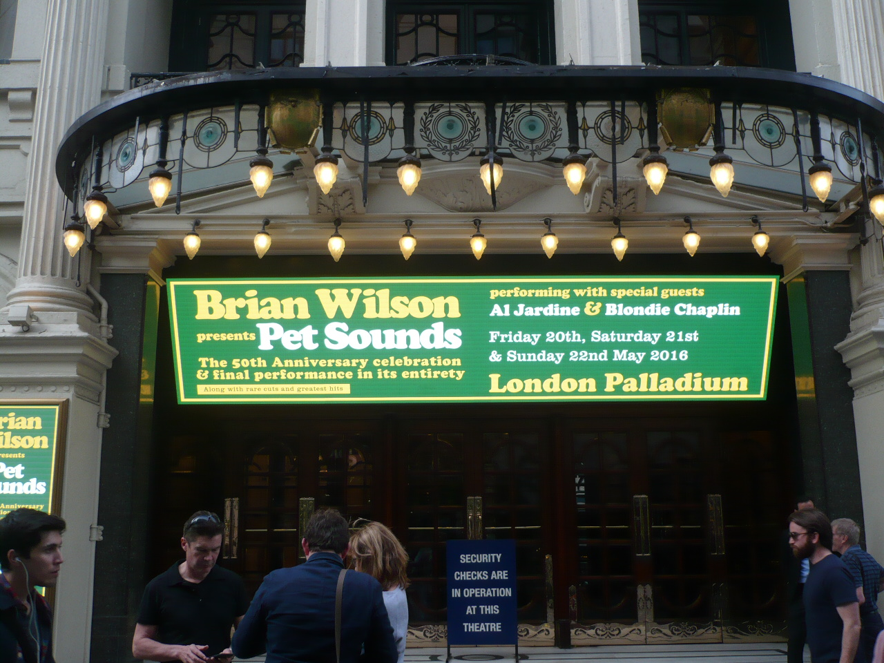 fronton du London Palladium